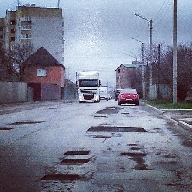 Сотрудники ГИБДД Таганрога проверили состояние городских дорог