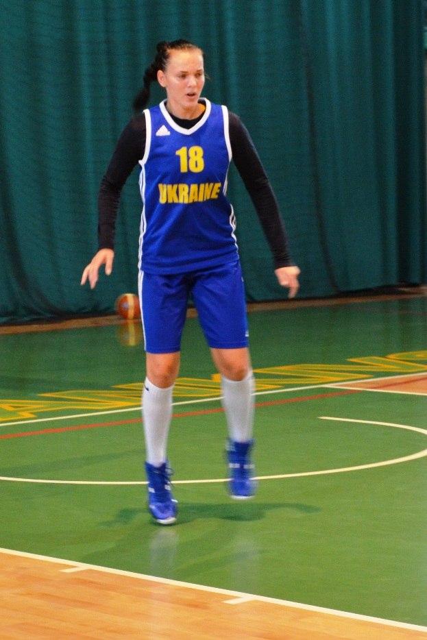 В Івано-Франківську тренується жіноча збірна України з баскетболу 6