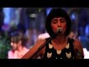 Marjan Farsad - اجرای زنده مرجان فرساد درکافه آنجا ی مون