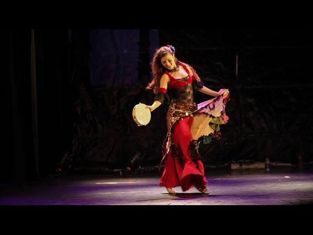 Mor Geffen gypsy turkish dance with tambourine klezmerfor the sultan