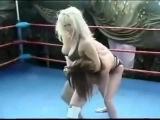 Wrestling Female   Robin vs Hollywood