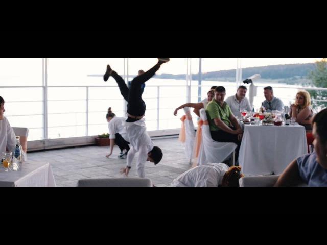 Сюрприз танец официантов на свадьбе флешмоб