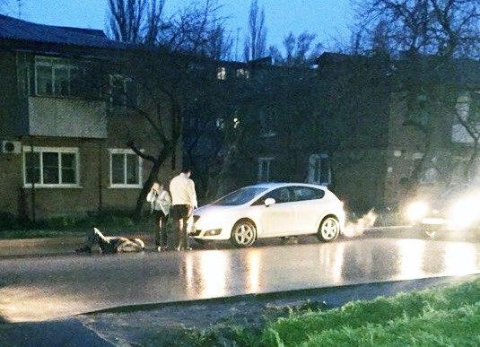 В Таганроге пьяный пешеход угодил под колеса иномарки