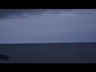 Дождь ветер, шторм, гора Медведь, Гурзуф.