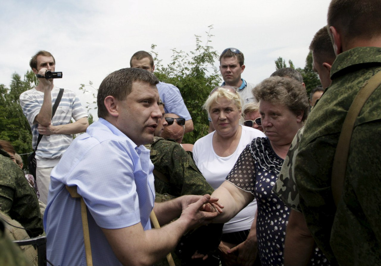 Глава ДНР Александр Захарченко на встрече с митингующими дончанами