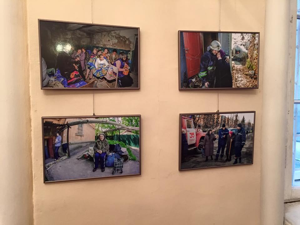 Выставка Игоря Иванова Донецк Непокоренный
