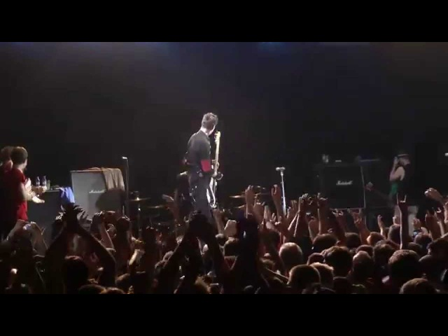 17. Sum 41 - The Hell Song (live in Saint-Petersburg, 27.07.2012)