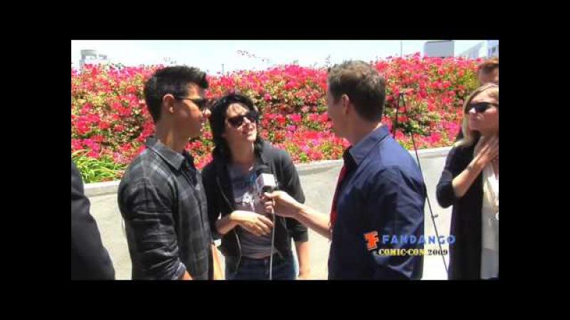 Kristen Stewart and Taylor Lautner Interview Comic-Con 2009
