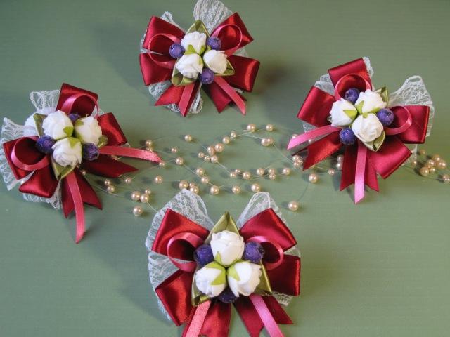 Бутоньерка - брошь или заколка в стиле канзаши. Ленты, кружево и цветы из фоамирана.