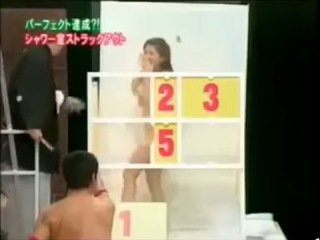 Japanese gameshow: SEXY CRAZY JAPANESE GAME SHOW GIRL IN SHOWER