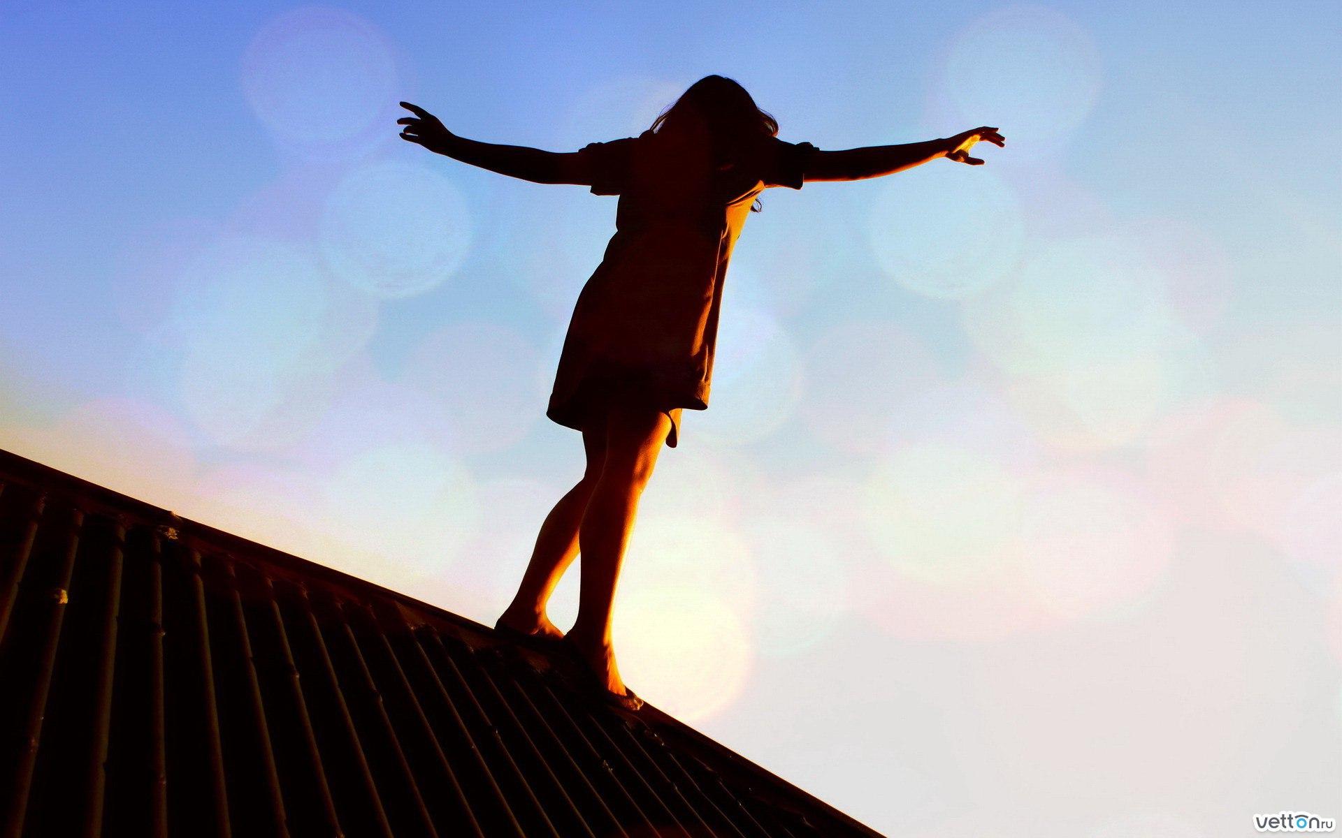 С девушка на крыше одна 21 фотография