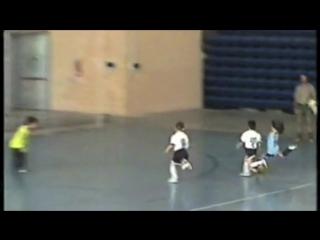 Lionel Messi com 8 anos - Criança - Garoto