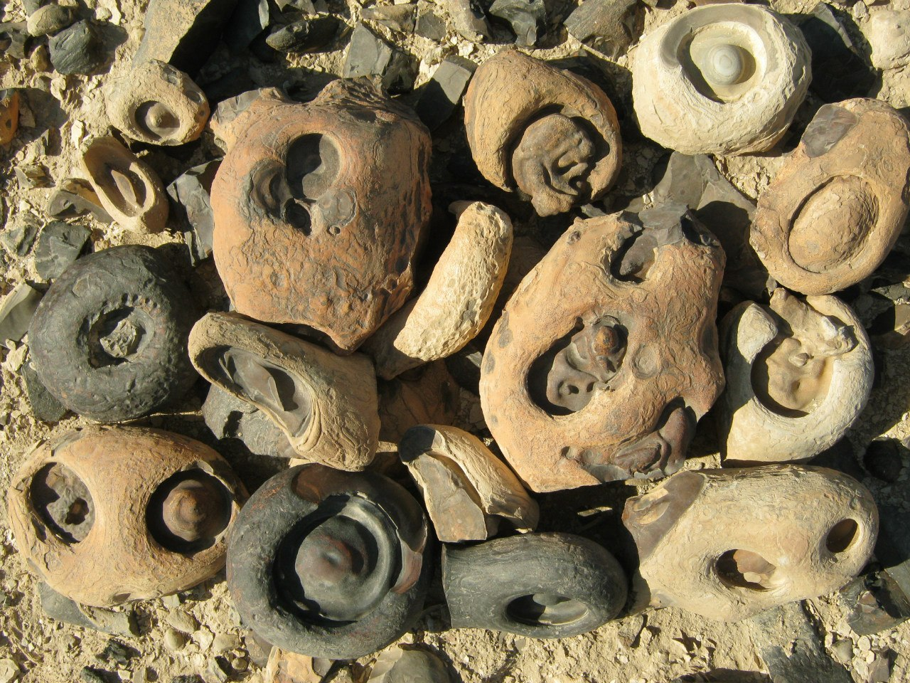 Интересные камни на западном берегу Луксора
