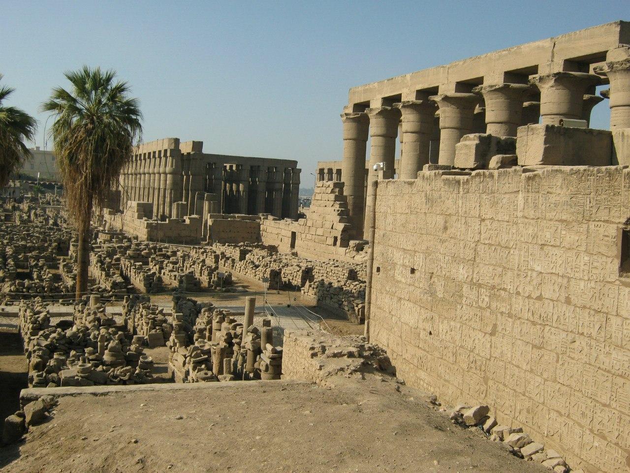Вид на храм Луксор с мечети (что в этом же храме и находится)