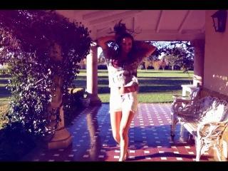 Танцуют Красивые девушки видео 5 Cuerdas BACK MARTINA DI TRENTO HAPPY HD