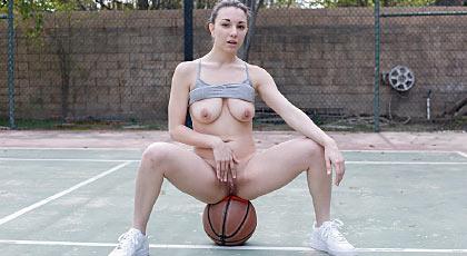Le gusta el basket y los hombres negros