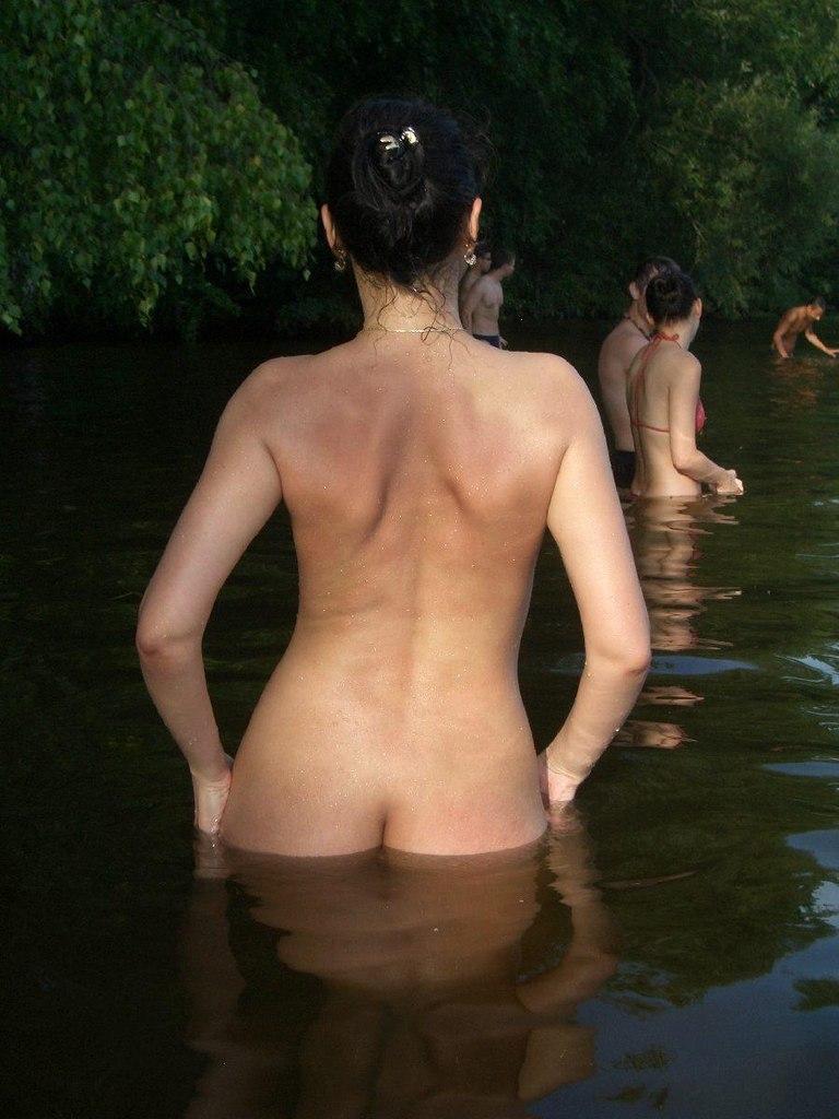 Fake pics of nude actress