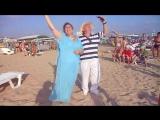 Перфоманс Вероники и Владимира на пляже