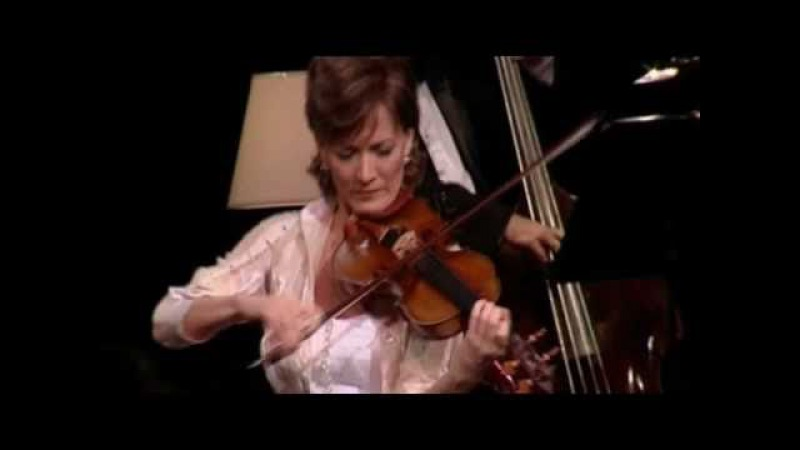 KATICA ILLÉNYI - Minor Swing