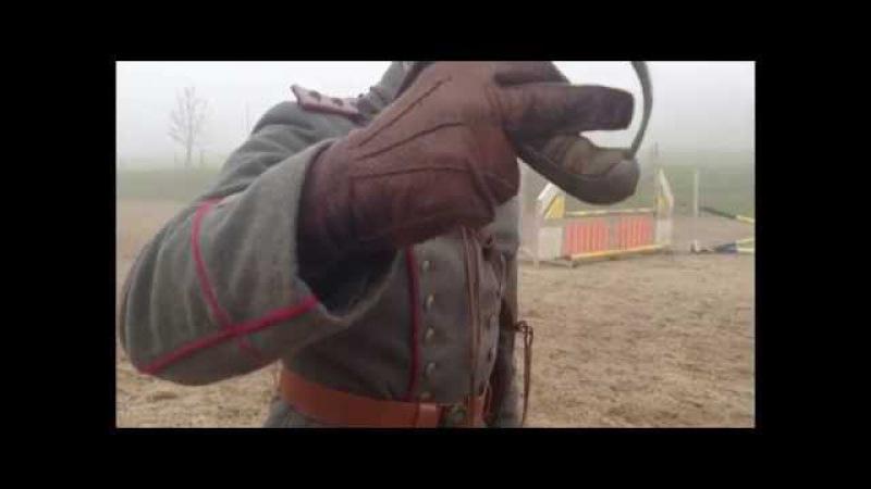 Lehrvideo des Deutschen Kavallerieverbands zu Übungen mit Degen und Revolver