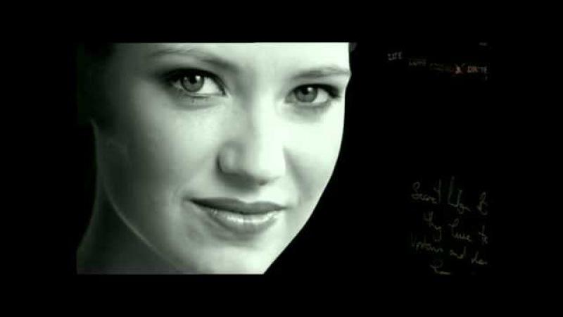 Anna Torv in The Secret Life of Us - Promo
