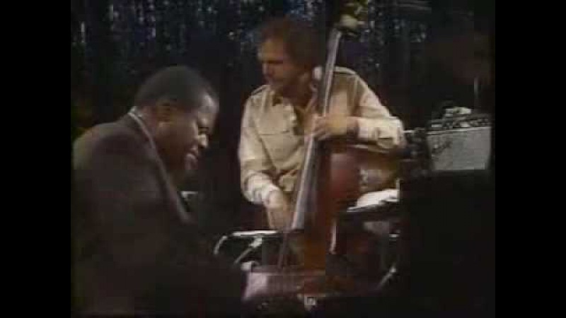 Oscar Peterson Trio - You Look Good To Me