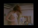 Секс брата и сестры - голая сестра, дрочит брату член в ванной