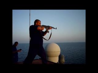 расстрел пиратов в Аденском заливе. ТОРЧУ ОТ ЭТОГО ВИДЕО!