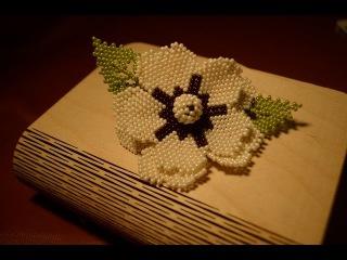 Заколка Цветок из бисера. Бисероплетение. Мастер класс / Hairpin Flower Bead