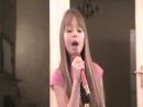 Класно поет У девочки хороший слух Очень красиво поет
