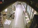 Женщина насрала в супермаркете !