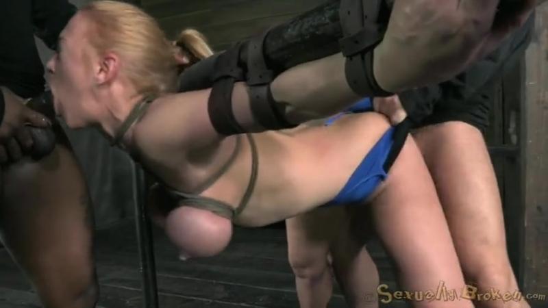 porno-svyazannie-i-bespomoshnie