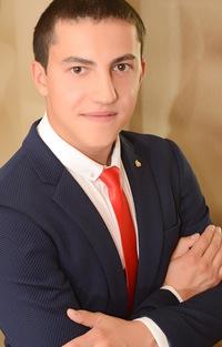 Макс Алабужев