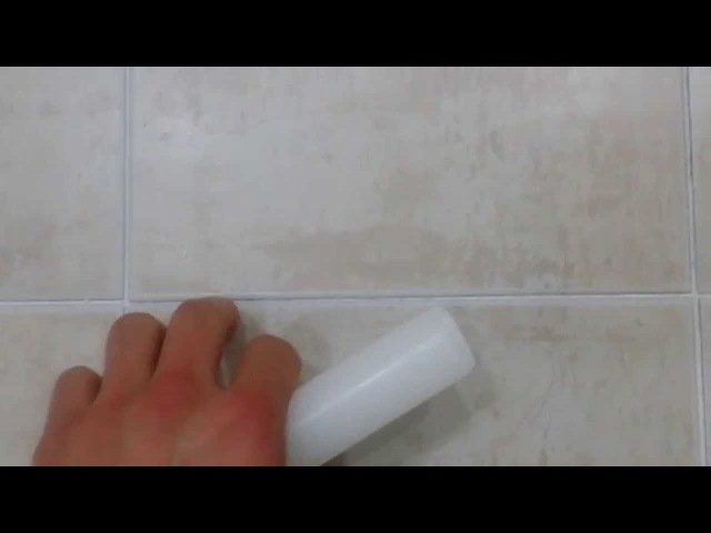 Life hack Clever way to keep bathroom tiles clean