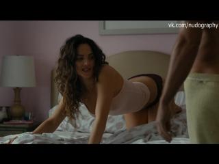 Сексуальная Адриа Архона (Adria Arjona) в сериале Настоящий детектив (True Detective, 2015) - Сезон 2 / Серия 1 s02e01