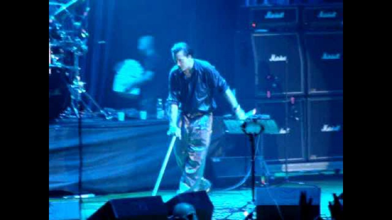 Faith No More - King For a Day (live @ Rock In Idro Palasharp Milano 2009)