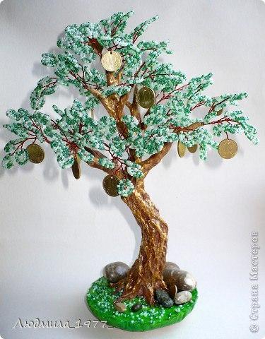 Дерево с бисером и монетками
