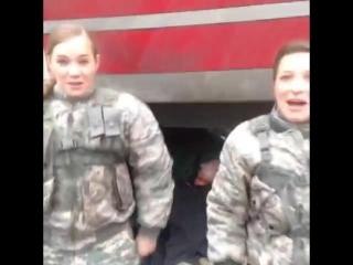 Дарья Циберкина (Мура) и Снежана Прудько (Ума). На съемках Смерч-2. Актимель_1