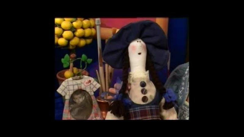 Шьем текстильную куклу, расписываем ее лицо и украшаем одежду в технике текстильного декупажа
