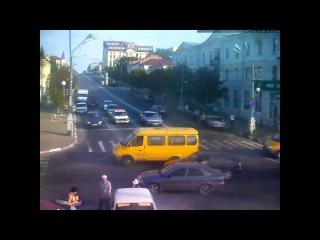 Авария Старый Оскол ул  Ленина 16 08 2013