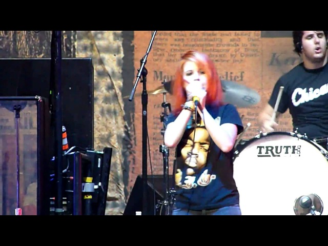 Paramore - Ignorance Live In Chicago (07-11-09) BEST QUALITY ON YOUTUBE