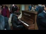 Профессионал-пианист поиграл на случайно попавшемся в аэропорту пианино !