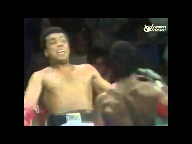 Muhammad Ali уклоняется от ударов