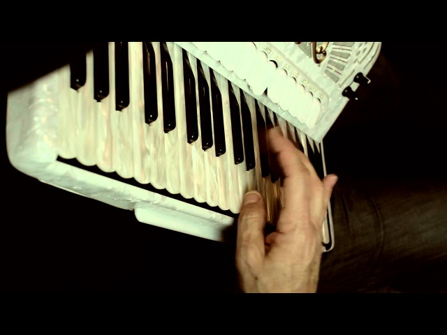 Virtuos Accordion by Edo Krilic playing Mosk-Pari