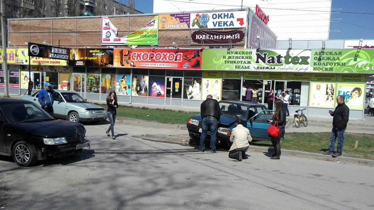 В Таганроге на Пасху «девятка» встретилась с «десяткой»