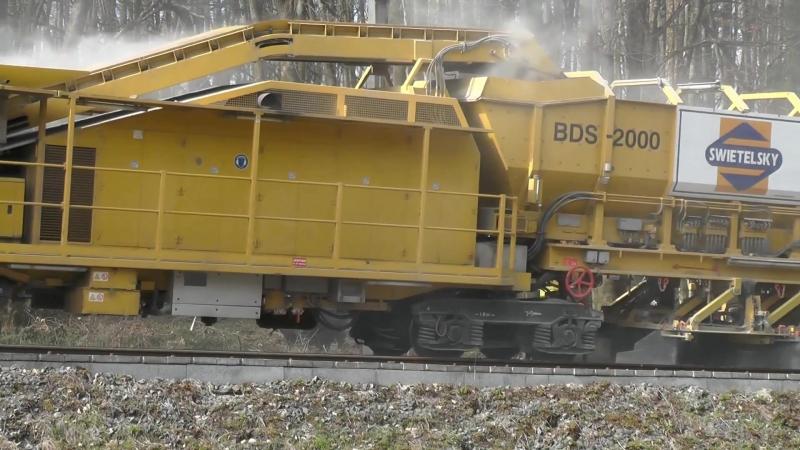 Sanierung Bahnstrecke mit Plasser Theurer Bettungsreinigungsmaschinen Marz 2015 Teil 66