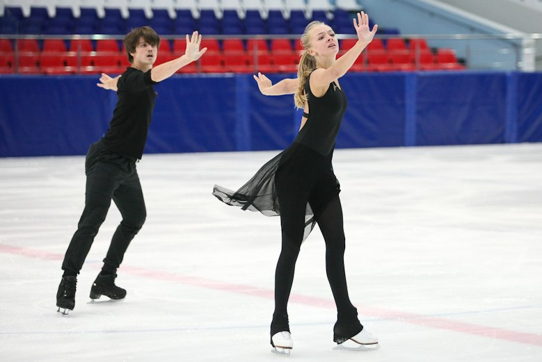 Александра Степанова - Иван Букин  A8fUYzDqn7c