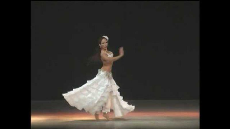 Luciana Acosta Interpreta Fusión Árabe-Español
