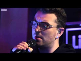 Disclosure - Hotline Bling Ft. Sam Smith (DRAKE COVER BBC Radio 1 Live Lounge)