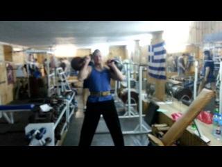 Копия видео Пробовал удержать крест с гирями 32 кг